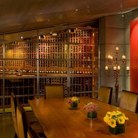Wine-Tasting Rooms Move Out of the Cellar